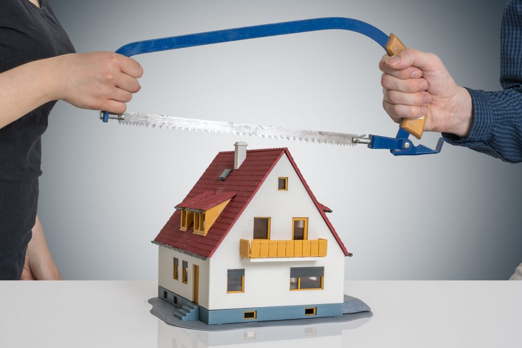 sell a house during divorce